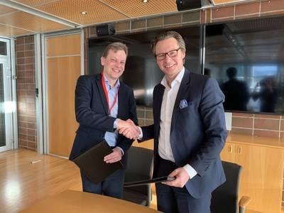 Roger Holm, President, Wärtsilä Marine and Knut Ørbeck-Nilssen, CEO, DNV GL – Maritime (Photo: Wärtsilä)