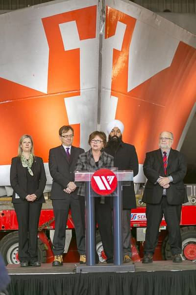 Seaspan Celebrates Signing of NSS Contracts (Image: Seaspan)