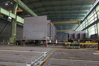 Steel sections at the Sietas shipbuilding hall (Photo: Sietas).