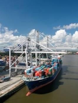 STS Cranes: Photo courtesy of Konecranes