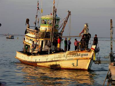 Thai Deepsea Fishing Boat: Photo credit CCL attributed to 'SeaDave'