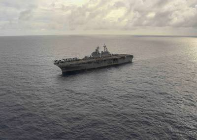 The amphibious assault ship USS Boxer (LHD 4) (U.S. Navy photo by Jessica Ann Hattell)