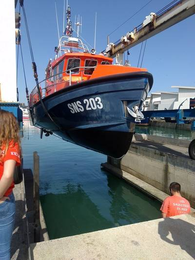 The filmed rescue boat SN 203 in the Pornichet harbor, near Saint-Nazaire © RENOLIT
