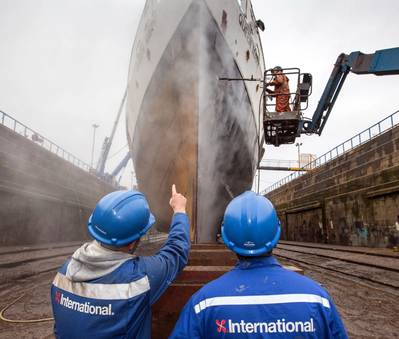 The iconic steamship Queen Mary is being restored to its former glory with help from a fresh coating (Photo: AkzoNobel)