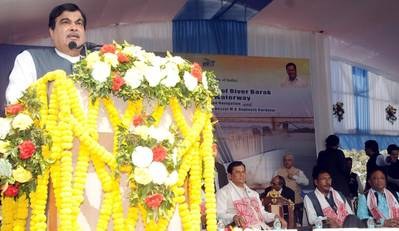 The Indian Shipping Minister Nitin Gadkari addressing the gathering at the dedication of the New Brahmaputra Bridge to the Nation and the foundation stone laying of Development of River Barak as National Waterways No.16 Shipping and Navigation, at Guwahati on January 29, 2017. The Chief Minister of Assam, Shri Sarbananda Sonowal and the Minister of State for Railways, Shri Rajen Gohain are also seen. Photo: PIB