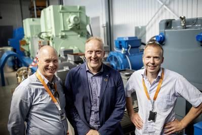 Les chefs de projet photographiés dans les installations d'essai du Sustainable Energy Catapult Center à Stord, Norvège de gauche à droite: Egil Hystad, Wärtsilä, Willy Wågen, Sustainable Catapult et Kjell Storelid, Wärtsilä. (Photo: Wärtsilä)