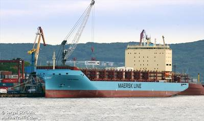 The Venta Maersk loads containers in Vladivostok, Russia ahead of its Arctic voyage (© Sergei Skriabin / MarineTraffic.com)