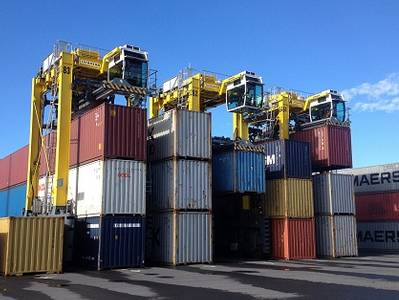 Three Liebherr Straddle Carriers at the Port of Tauranga (Photo: Liebherr)