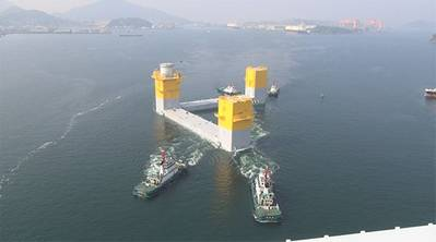 Towing the three-column semi-sub at Nagasaki port