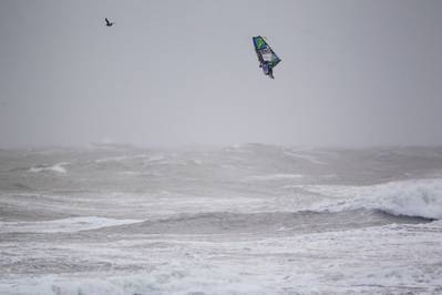 Traversa windsurfs aloft: Photo courtesy of Kia Cold Hawaii