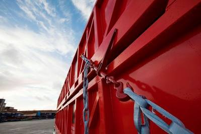 TYCAN chains with Dyneema replace steel chains for lashing cargo. (Photo DSM Dyneema, DYNPR301)