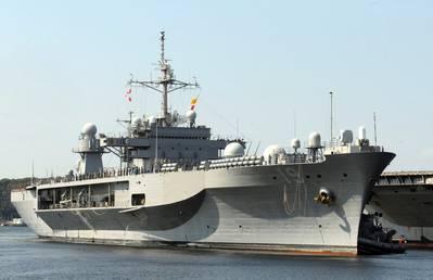 USS Blue Ridge: Photo USN