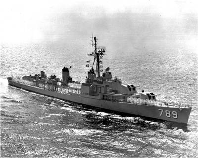 USS Eversole (DD-789). Photo from the files of the Vallejo Naval and Historical Museum.
