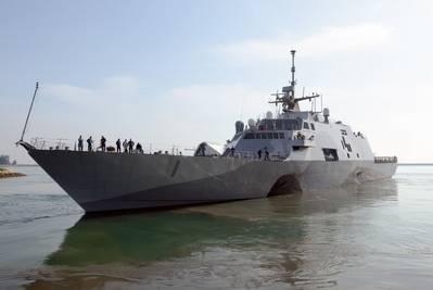USS Freedom returns: Photo courtesy of USN