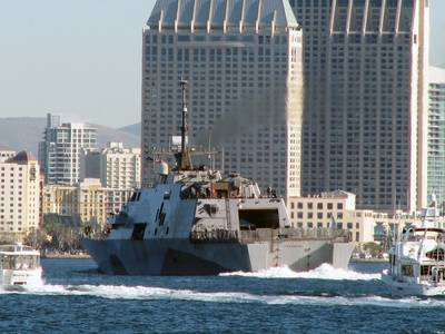 USS Freedom, San Diego: Photo USN