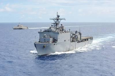 USS Rushmore (LSD 47) (U.S. Navy photo by Dustin Kelling)
