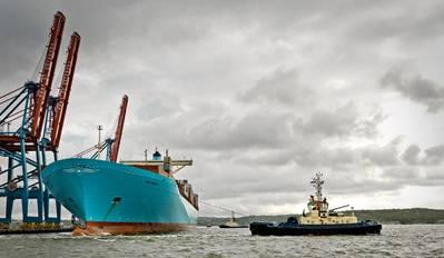 SVITZER ODEN assisting Ebba Maersk,Gothenburg, Sweden. Photo: Svitzer A/S