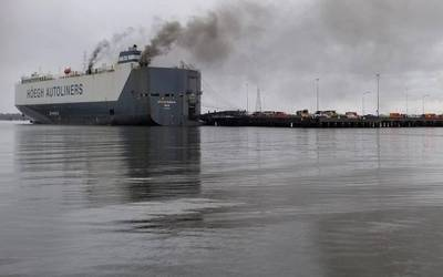 A fire broke out on board the 600-foot vehicle carrier Hoegh Xiamen, at Blount Island in Jacksonville, Fla. (U.S. Coast Guard photo by Jessica Maldonado Gonzalez)