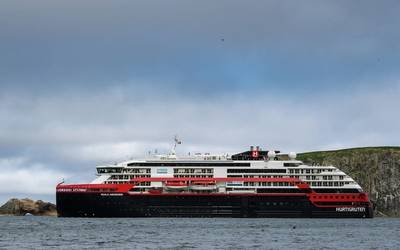 MS Roald Amundsen (File photo: Hurtigruten)