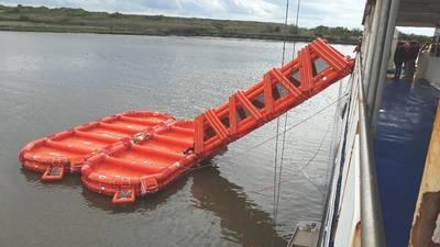 Первое развертывание для одобрения USCG Cape Henlopen на терминале Cape May. (Фото: CMLF)