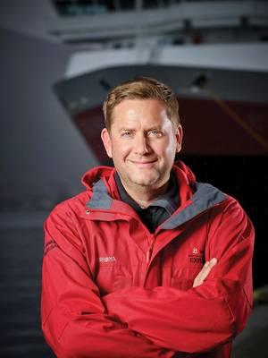 """الرئيس التنفيذي لشركة Hurtigruten ، دان Skjeldam: """"متفائل"""" بشأن آفاق قطاع الرحلات الاستكشافية. الصورة مجاملة من Hurtigruten"""