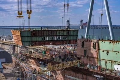 تقوم شركة نيوبورت نيوز لبناء السفن حالياً ببناء حاملة الطائرات التي تعمل بالطاقة النووية جون إف كينيدي (CVN 79) لصالح البحرية الأمريكية (تصوير: جون وايلن / إتش آي)