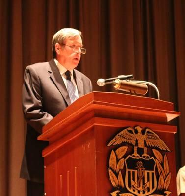 جون ر. بالارد ، دكتوراه ، العميد الأكاديمي الجديد لجامعة USMMA