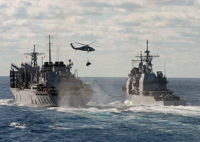 صورة الملف: سفن حربية تابعة للبحرية الأمريكية جارية وتشارك في التجديد الجاري. الائتمان: البحرية الأمريكية