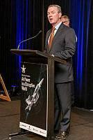 وزير الدفاع الصناعة كريستوفر باين المجاملة SGT رودني ويلش / سلاح الجو الملكي الاسترالي