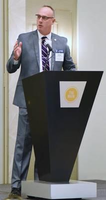 अमेरिका के ड्रेजिंग ठेकेदार के सीईओ और कार्यकारी निदेशक विलियम पी। डॉयले