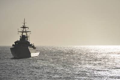 गश्ती पर एक यूके नौसेना युद्धपोत (फ़ाइल छवि / AdobeStock / © पीटर क्रिप्स)