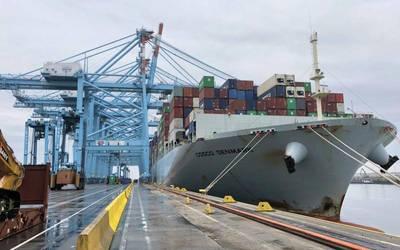 (फोटो: ज़ीब्रेग का बंदरगाह)