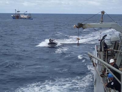 Bote de Severnn voltando de uma das muitas viagens à Amizade (Foto: Marinha Real)