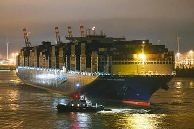 CMA CGM Antoine de Saint Exupery hizo su primera visita al puerto de Hamburgo el jueves 15 de marzo por la mañana (© HHM / Dietmar Hasenpuscch)