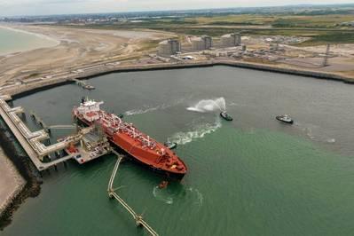 Das LNG-Terminal in Dunkerque erhält seine erste LNG-Ladung. Bild: EDF