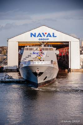 FREMM Normandie выплывает в Лорьяне (Фото: Naval Group)