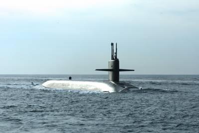 Foto de archivo: USS Wyoming (foto de la Marina de EE. UU. Por Rex Nelson)