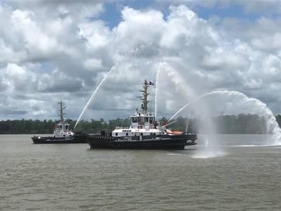 Fregate (en frente) y Papillon durante la ceremonia de nombramiento (Foto: Dragado holandés)