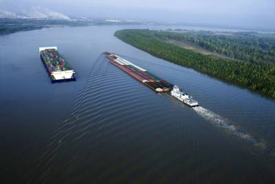 Imagen de archivo: American Patriot Container Transport LLC