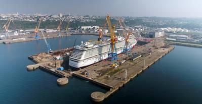 Norwegian Breakaway en Damen Shiprepair Brest (Foto: Damen)