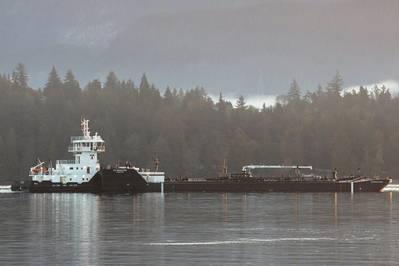 Resolución de Island Raider / ITB en Burrard Inlet (crédito de foto: Carolyn Matt, Island Tug)