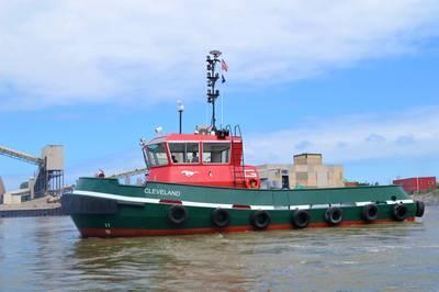 The Tug Cleveland en el trabajo en el puerto de Cleveland, Ohio (CRÉDITO: el Grupo Great Lakes)