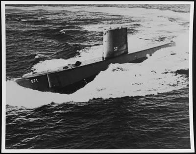 USS NAUTILUS(SSN-571)(照片:国家档案馆)