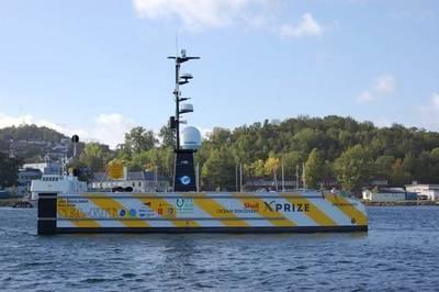 Um exemplo de um navio não tripulado, o Navio de Superfície Não Tripulada do SEA-KIT, USV Maxlimer Maldon, é capaz de implantar e recuperar uma embarcação submersível autônoma. SEA-KIT é finalista da competição X-Prize da Shell Ocean Discovery (Foto: MCA)