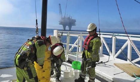 The first cable is prepared on board Lewek Connector. (Photo: Tom Reidar Guttormsen/Statoil)