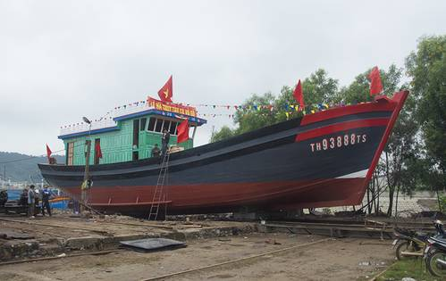 The new 76-m vessels rest on her cradle ready for the launch. (Haig-Brown photos courtesy of Cummins Marine)