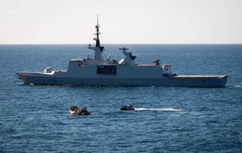 'Surcouf' Seizes Pirates: Photo credit EUNAVFOR