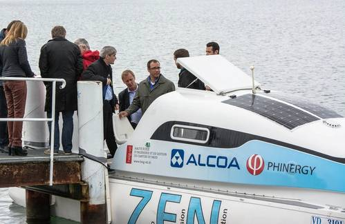 Guests embarking the aluminum-air battery equipped electric vessel. The three people in the middle, from left to right: Dekel Tzidon, CTO Phinergy; Simon Baker, President Alcoa Europe; and Martin Briere, President Alcoa GPP Canada, Europe and Africa