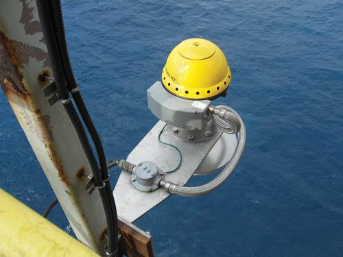 Measurement of wave height from FPSO using air gap sensor.