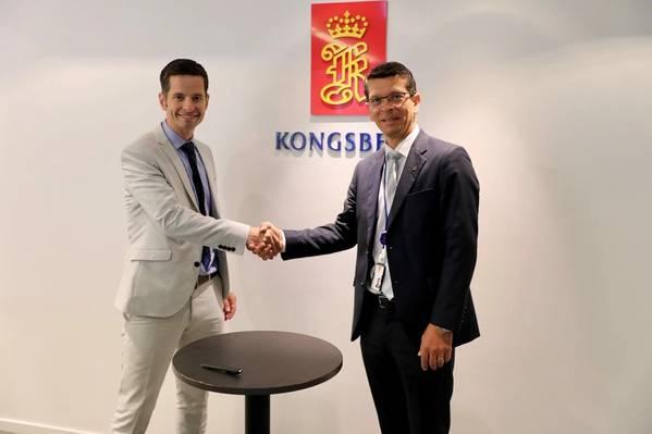الرئيس التنفيذي لشركة KONGSBERG Geir Håøy (إلى اليمين) و Tristan Halford-Maw نائب المدير لشركة Rolls-Royce